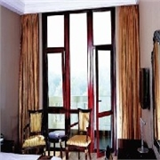 烟台肯德基门安装/烟台断桥铝门窗定做/烟台铝包木门窗制作