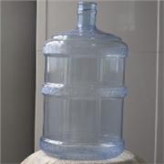 鑫脉工贸——物美价廉矿泉水饮用水桶供应商 山东纯净水桶