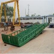济南哪里有供应优惠的液压登车桥_移动式登车桥