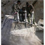 钢筋混凝土拆除机械代替风镐设备