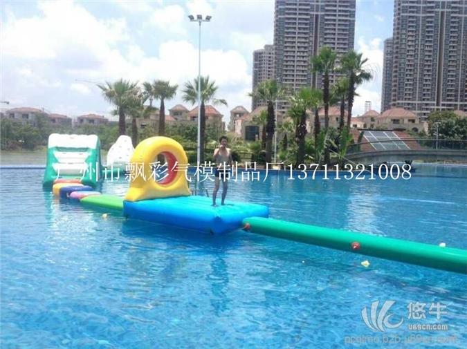 广州充气水上球充气水上独木桥闯关