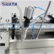 供应天卓卧式气动液体罐装机厂商直供半自动气动卧式液体罐装机